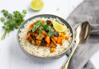 Snelle curry met aubergine & kikkererwten