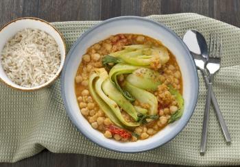 Rode curry met linzen & Shanghai paksoi