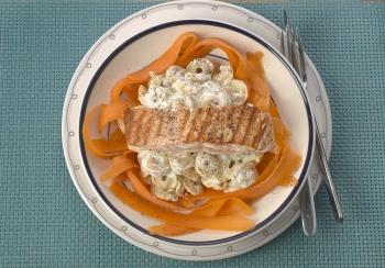 Tortellini met wortellinten & zalm