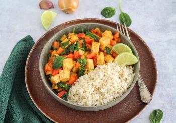 Rode curry met tofu & zilvervliesrijst