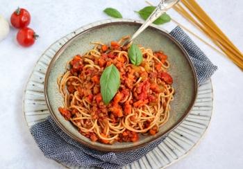 Spaghetti met saus van linzen & tomaten