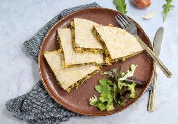 Quesadilla met gehakt & zuurkool