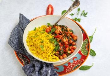Gele rijst met kip & kikkererwten stoofpot