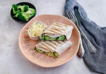 Wrap met broccoli, kip & kaas